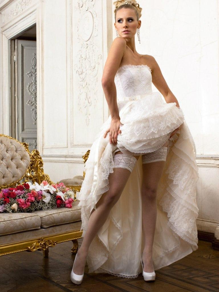 под платьями у невест фото